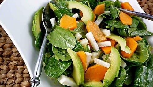 salat-s-hurmoj