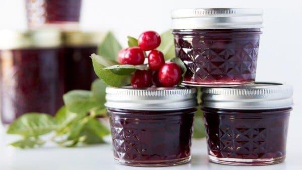 Заготовки из вишни на зиму— вкусные и полезные рецепты