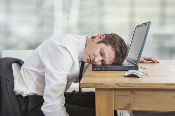 От чего бывает постоянная слабость и усталость, что с этим делать