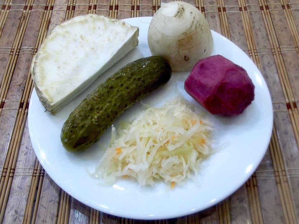 dlya-salata-iz-seldereya-kornevogo-retsept