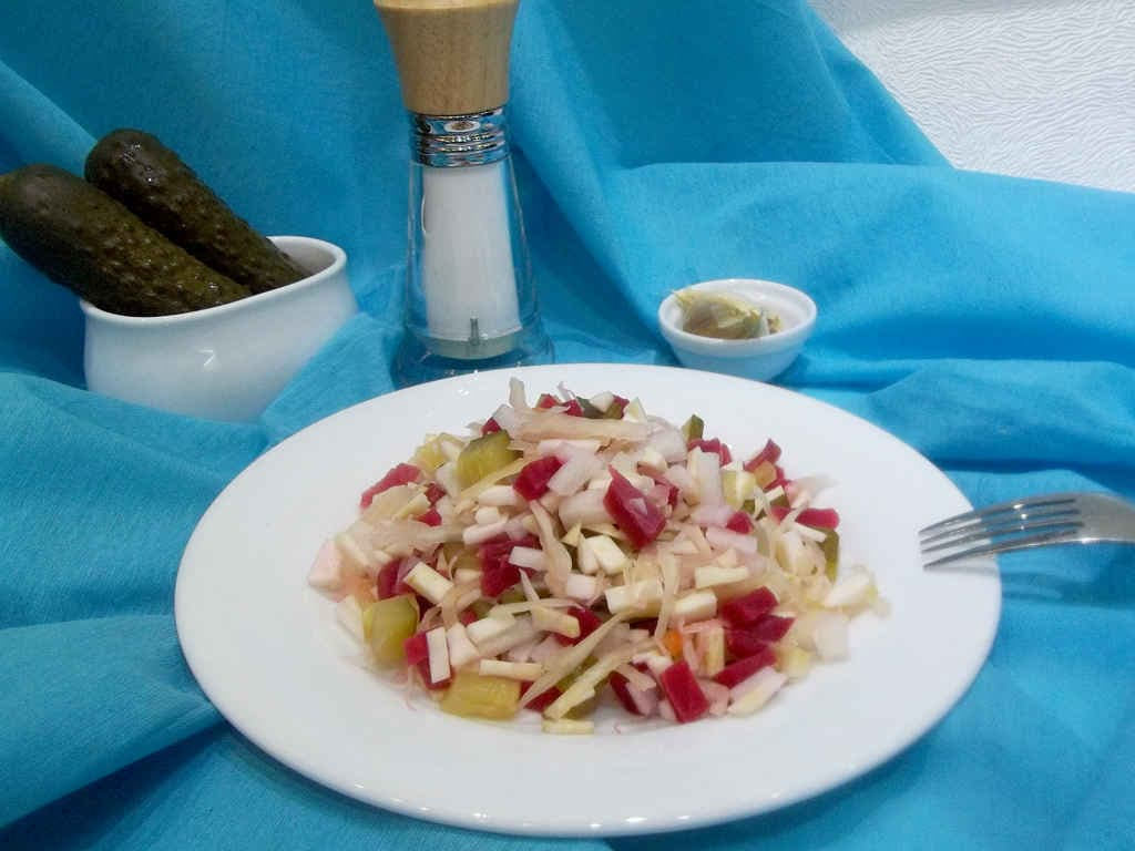 Вкусный диетический салат из сельдерея корневого, рецепт с фото