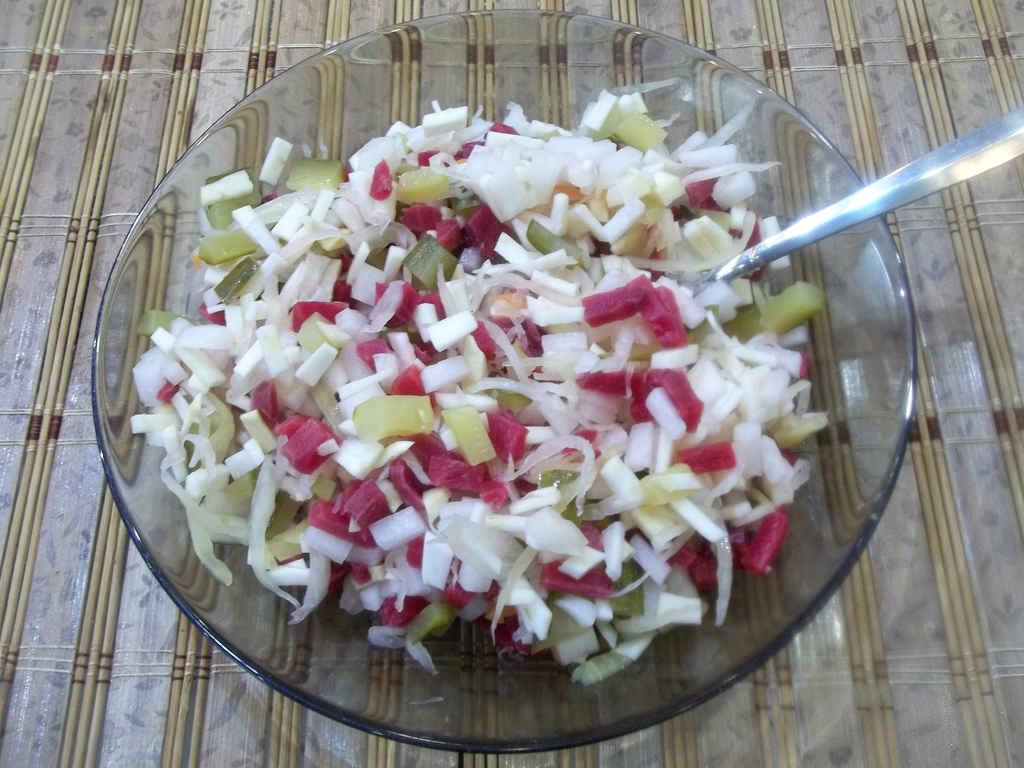 salat-iz-seldereya-kornevogo-retsept