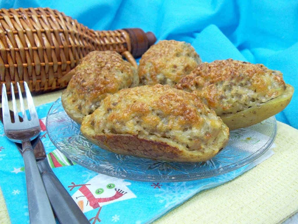 Картофельные лодочки с начинкой из фарша, пошаговый рецепт с фото