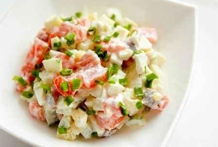 rybnyj-salat-s-kartofelem