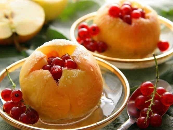 Как вкусно запечь яблоки в духовке, простые рецепты