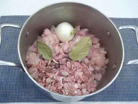 Как приготовить солянку сборную мясную в домашних условиях