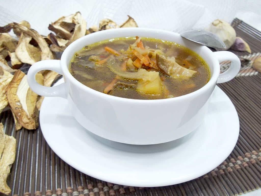 Суп из сушеных белых грибов, простой и вкусный рецепт