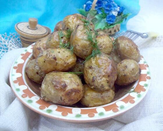 molodoj-kartofel-zapechennyj-v-duhovke