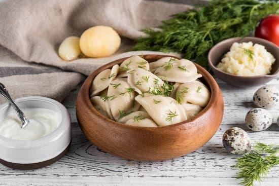 Рецепты маминых вареничков с картошечкой и грибами из детства