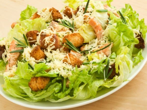 Kak-prigotovit-salat-tsezar