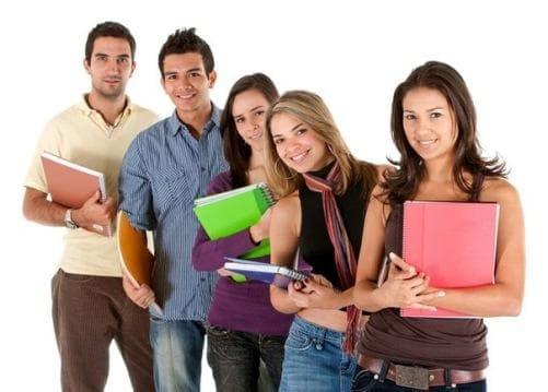 Студенты с тетрадями