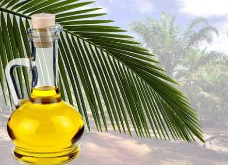 Масло пальмы в графине