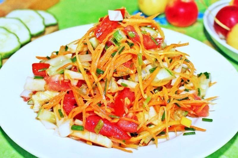 salat-pomidor-morkov-yabloko