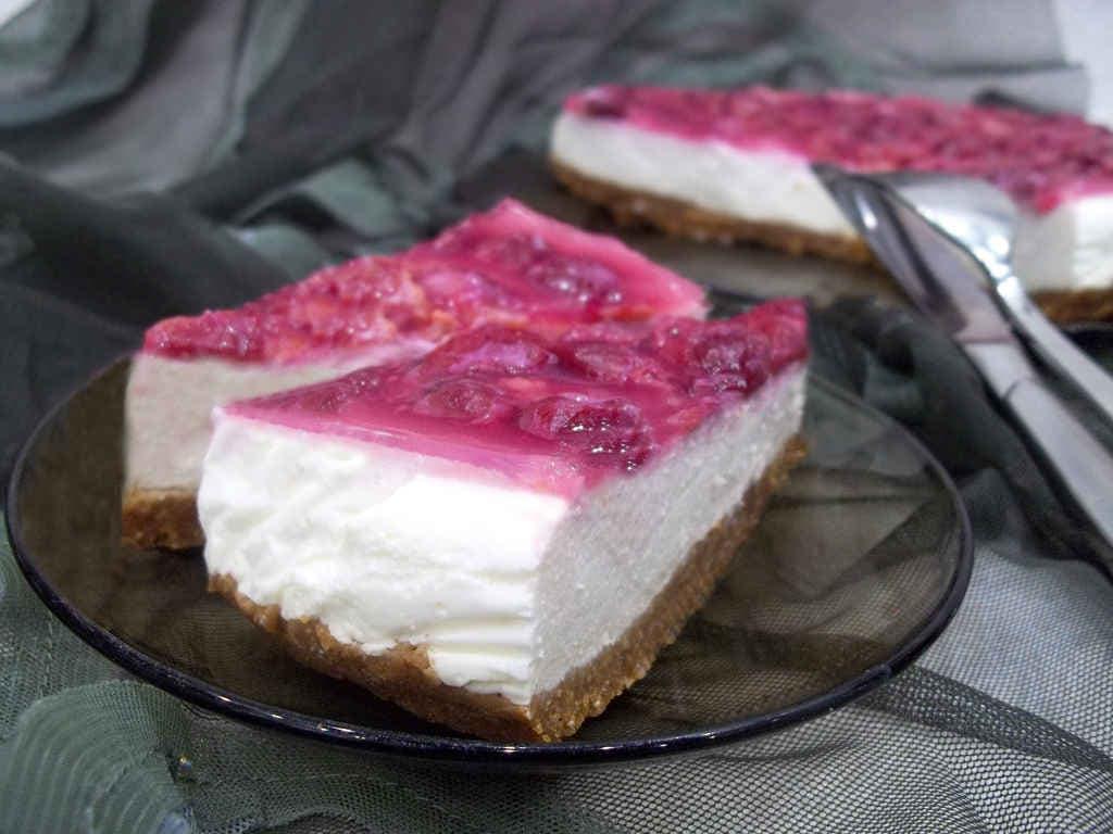 Tort-bez-vypechki-iz-pechenya-i-tvoroga