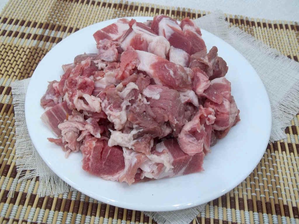 Свинина на тарелке