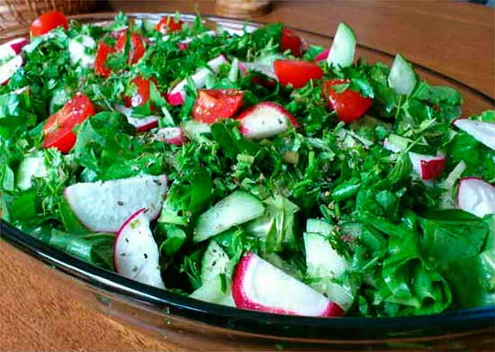 Крапивный салат