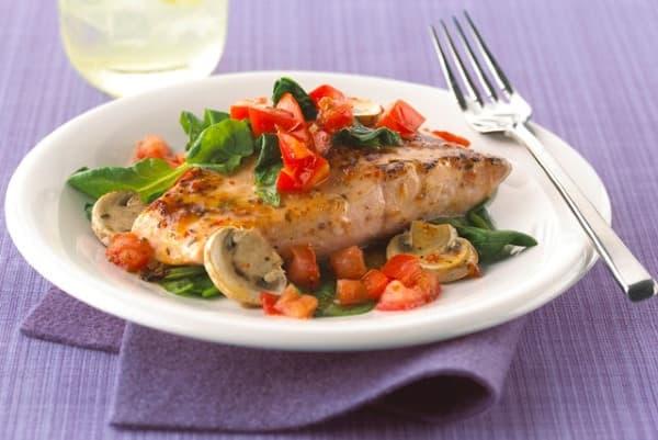 Рыба в духовке под овощами