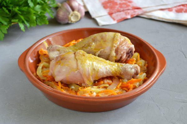Добавляем ножки к морковке и луку