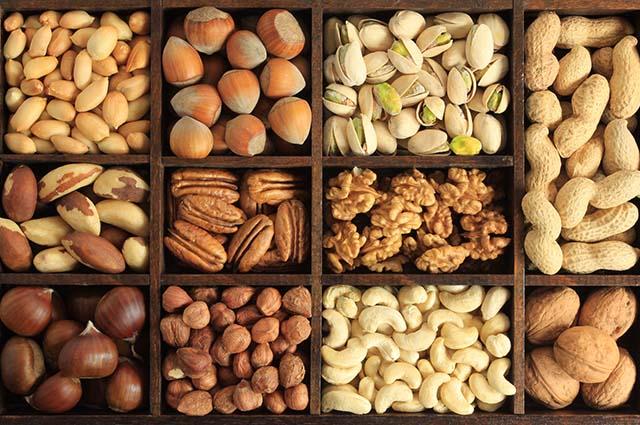 Разные виды орехов
