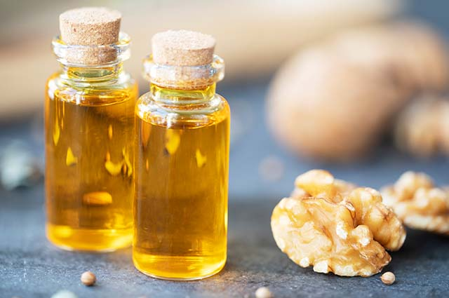 Бутылочка масла грецкого ореха